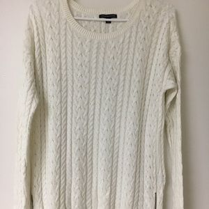 Woman's American Eagle sweater- size XL